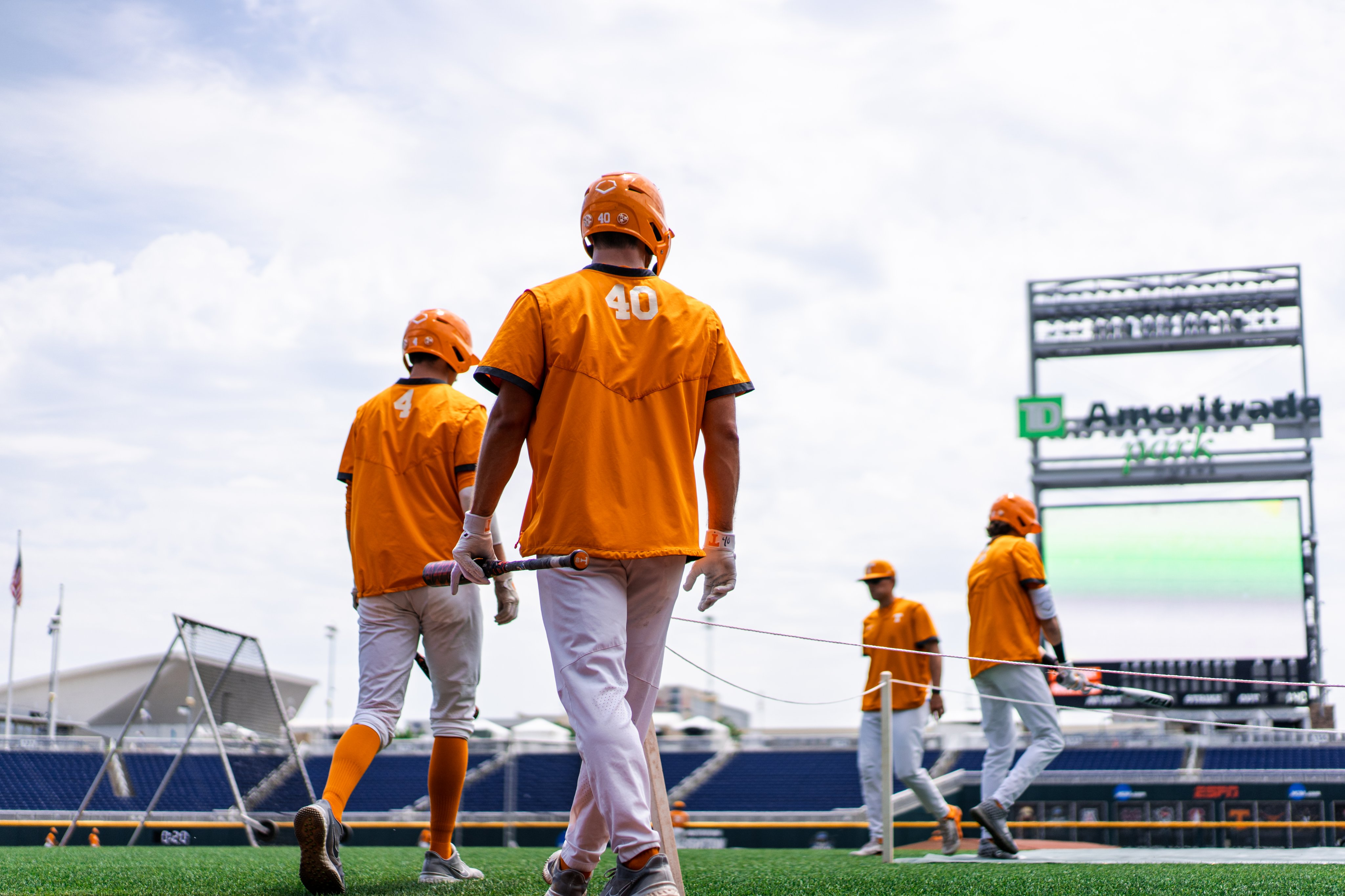 PREVIEW: Tennessee and Virginia Meet in Omaha for CWS